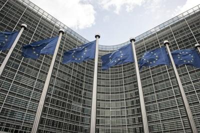 KE przedstawiła wart 500 mln euro pakiet pomocy dla rolników