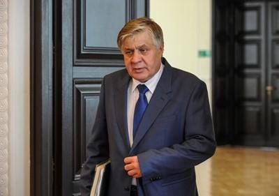 Jurgiel: resort przygotuje program rozwoju głównych rynków rolnych