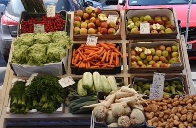 Warzywa w hurcie o 1/3 tańsze niż przed rokiem - Bronisze