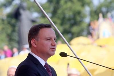Prezydent za wsparciem dla rodzinnych gospodarstw rolnych (opis)