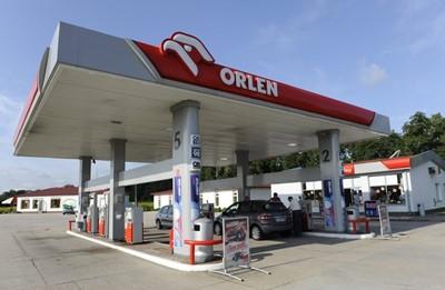 Na stacjach PKN Orlen regionalne produkty - np. miody i ciastka