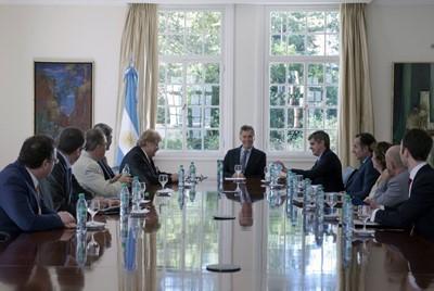UE wznawia rozmowy o wolnym handlu z Ameryką Łac., protest ministrów rolnictwa