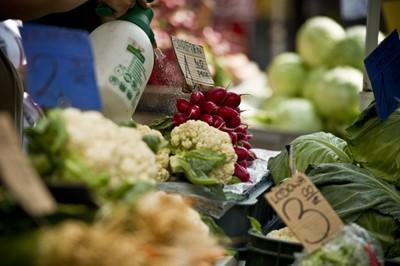 Nowalijkowe warzywa tańsze niż przed rokiem i będą nadal tanieć