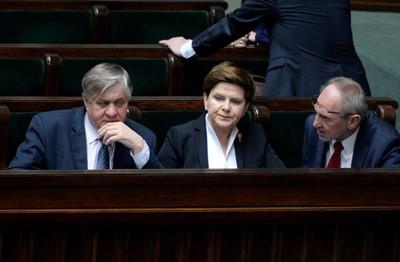 Sejm przyjmując poprawki Senatu, zakończył prace nad ustawą ws. obrotu ziemią