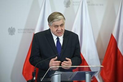 Minister Jurgiel udaje się do Chin; chce szerzej otwierać rynek dla polskiej żywności